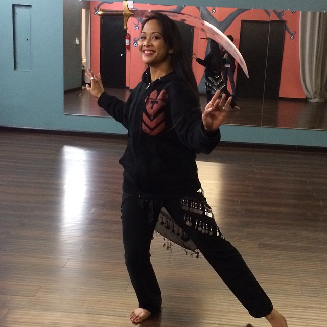 #Kadria practicing for this weekend's shows at the Atlanta Fusion Belly Dance studio. Nod to our friend @daveysuicide for the hoodie! #bellydance #swordplay #practicemakesperfect #stickemwiththepointyend  @babesnblades #floridainviolations
