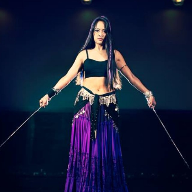 Sneak peek of this morning's photoshoot. Photo by the badass Kevin Mayfield Photography. @missbellydance @babesnblades #photoshoot #doubleswords #Kadria #stickemwiththepointyend #bellydance #metal #killer