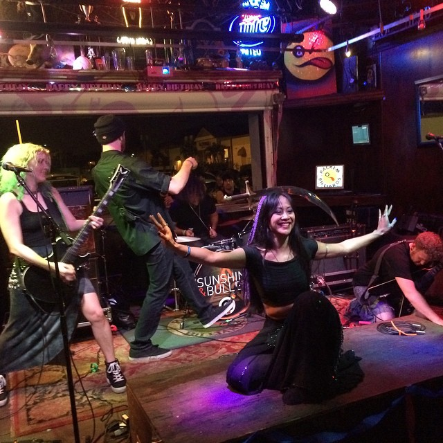 @sunshinebullets invited #Kadria and her blade as guest performers at their show at Rack'Ems in #CapeCoral last night. @babesnblades @missbellydance #rock #rackems #scimitar #florida #blondebullet #stickemwiththepointyend